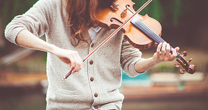 9 benefits of playing a musical instrument